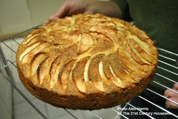 Spiced-Apple-and-Almond-Cake