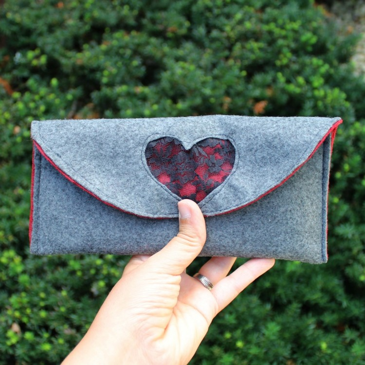 lace and felt clutch 3