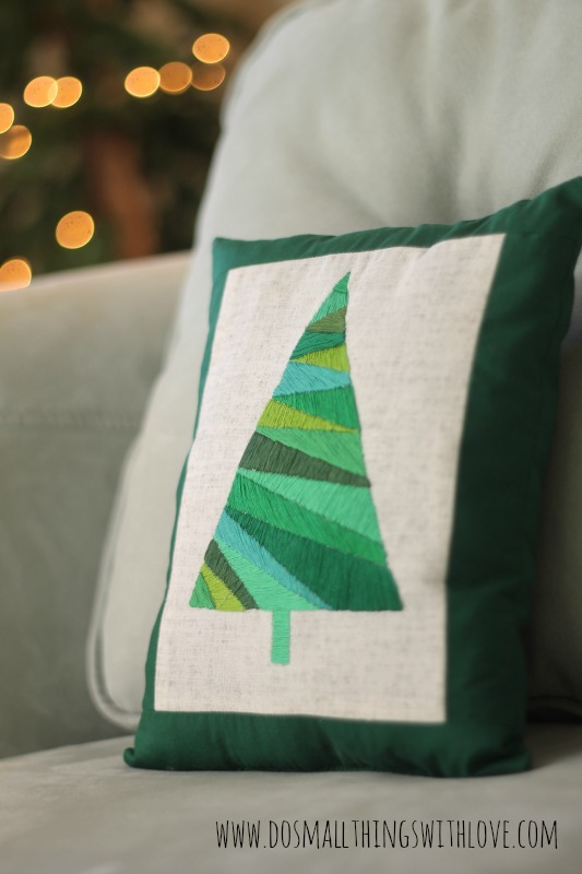 DIY Satin Stitch Christmas Tree Pillow… Love this! #christmas #crafts #gifts