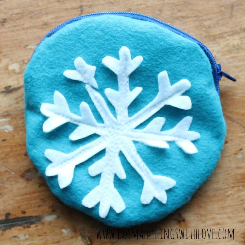snow flake pouch 4