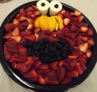 Shower-Elmo fruit tray