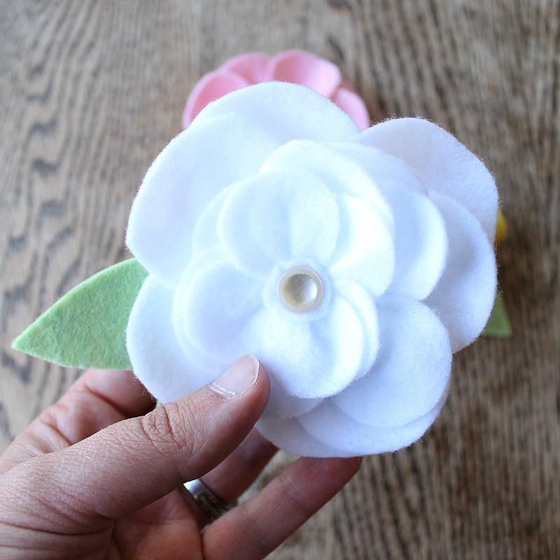 gather felt flower tutorial white