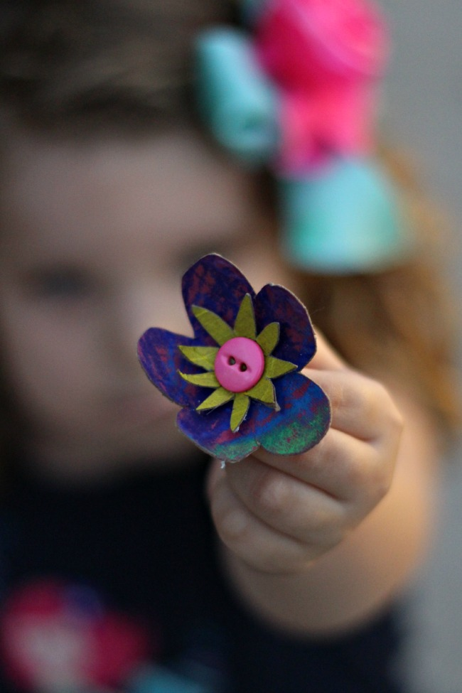Toilet-Roll-Flower-Necklace