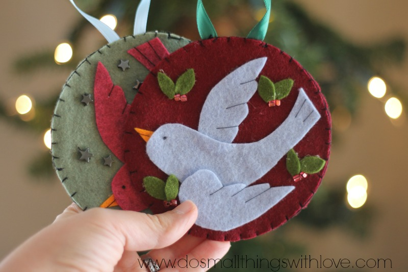 bird in flight felt Christmas ornament FREE TEMPLATE