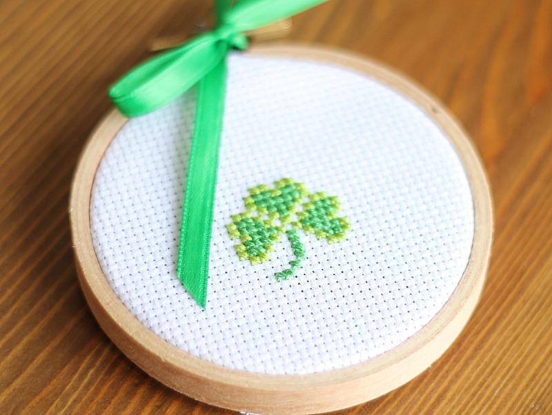 clover cross stitch pattern free