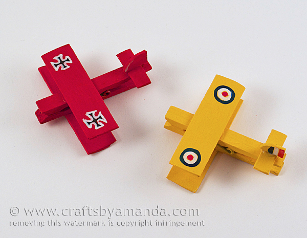 snoopy-and-red-baron-clothespin-airplanes-1