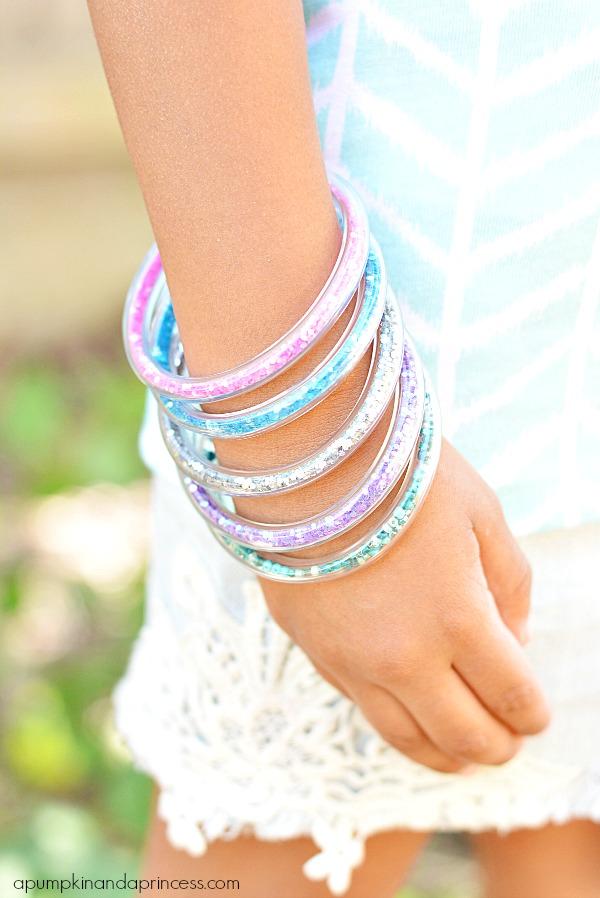 DIY-Glitter-Vinyl-Tube-Bracelets-Tutorial