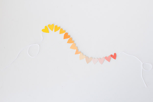paint-chip-valentine-garland7